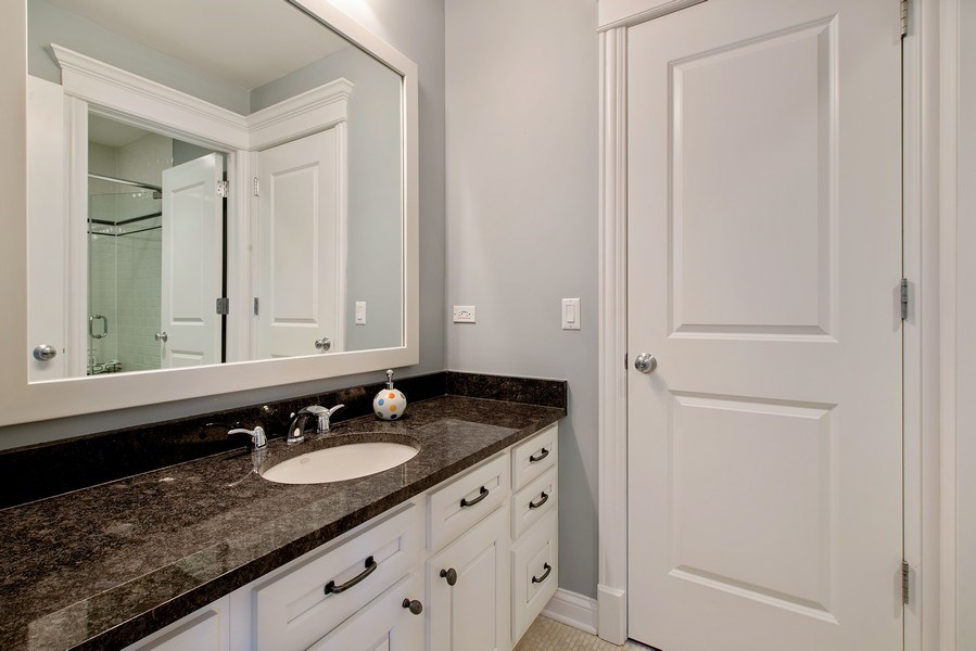 Real Estate Photography - 1834 W. Larchmont, Chicago, IL, 60613 - 2nd Bathroom