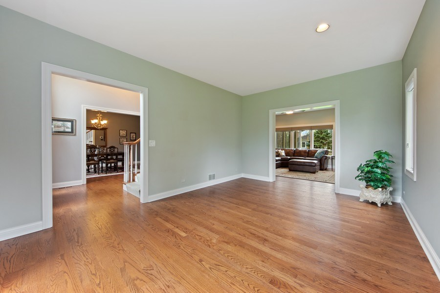 Real Estate Photography - 1075 Erica Dr, Wauconda, IL, 60084 - Foyer/Living Room
