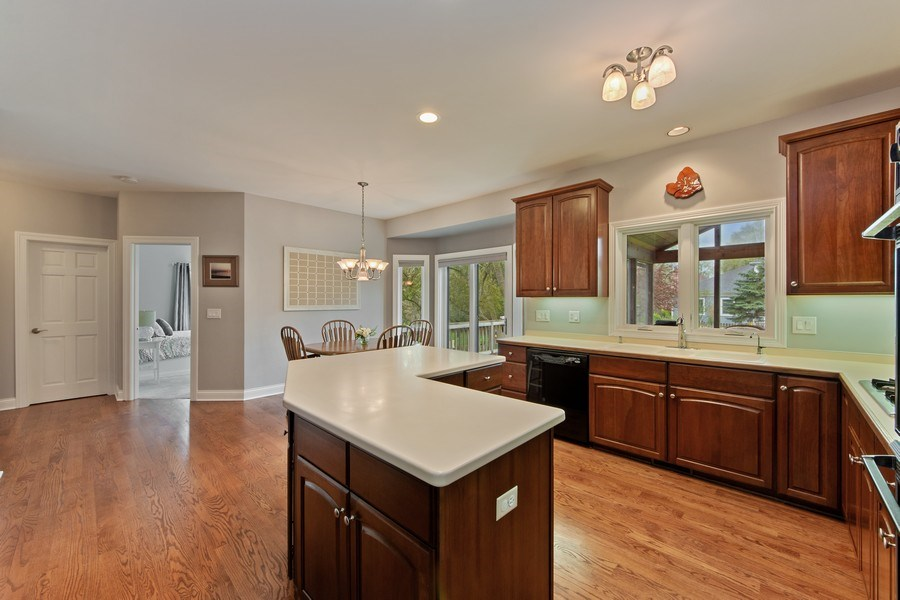 Real Estate Photography - 1075 Erica Dr, Wauconda, IL, 60084 - Kitchen / Breakfast Room