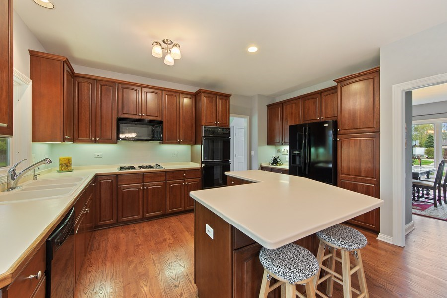 Real Estate Photography - 1075 Erica Dr, Wauconda, IL, 60084 - Kitchen