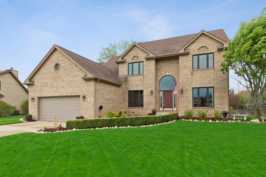 Real Estate Photography - 1075 Erica Dr, Wauconda, IL, 60084 - Front View