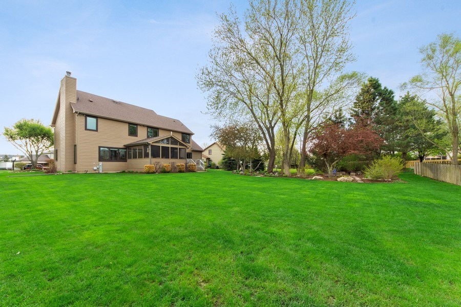 Real Estate Photography - 1075 Erica Dr, Wauconda, IL, 60084 - Rear View