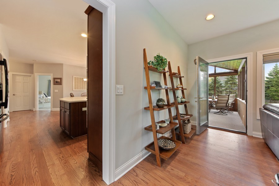 Real Estate Photography - 1075 Erica Dr, Wauconda, IL, 60084 - Entryway