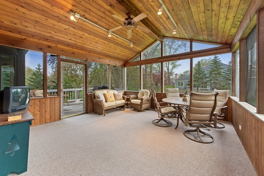 Real Estate Photography - 1075 Erica Dr, Wauconda, IL, 60084 - Sun Room