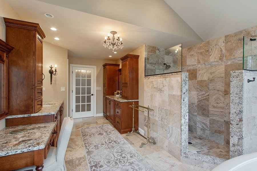 Real Estate Photography - 1009 Oakland Court, Barrington, IL, 60010 - Master Bathroom
