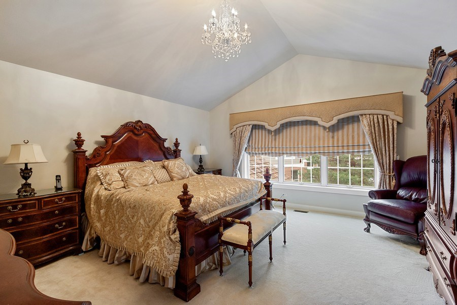 Real Estate Photography - 1009 Oakland Court, Barrington, IL, 60010 - Master Bedroom