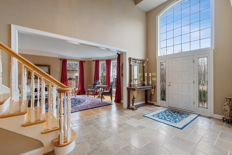 Real Estate Photography - 1009 Oakland Court, Barrington, IL, 60010 - Foyer/Living Room