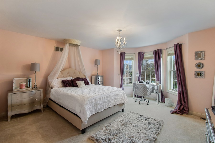 Real Estate Photography - 1009 Oakland Court, Barrington, IL, 60010 - 2nd Bedroom