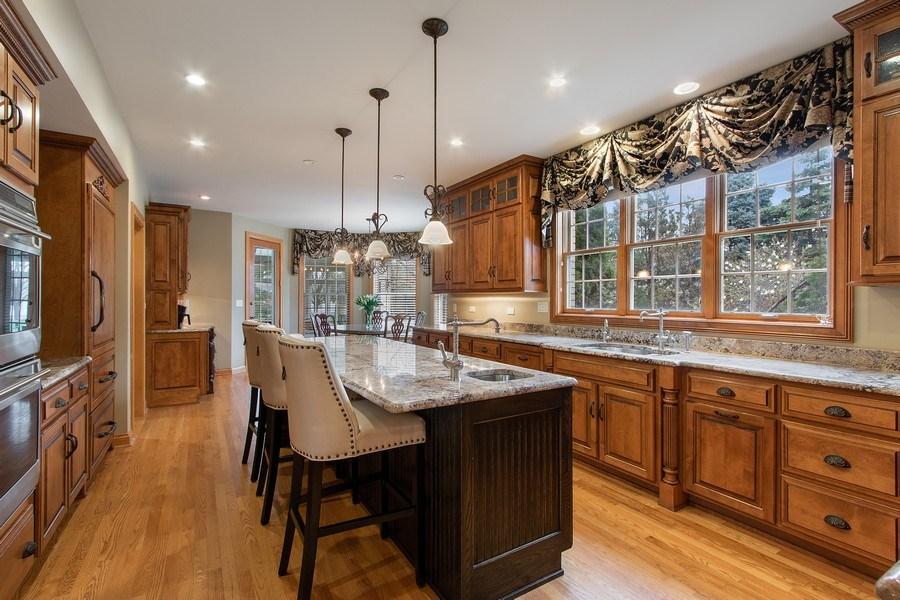 Real Estate Photography - 1009 Oakland Court, Barrington, IL, 60010 - Kitchen