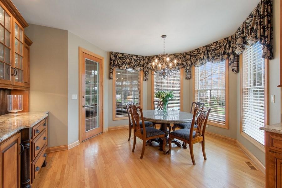 Real Estate Photography - 1009 Oakland Court, Barrington, IL, 60010 - Breakfast Area