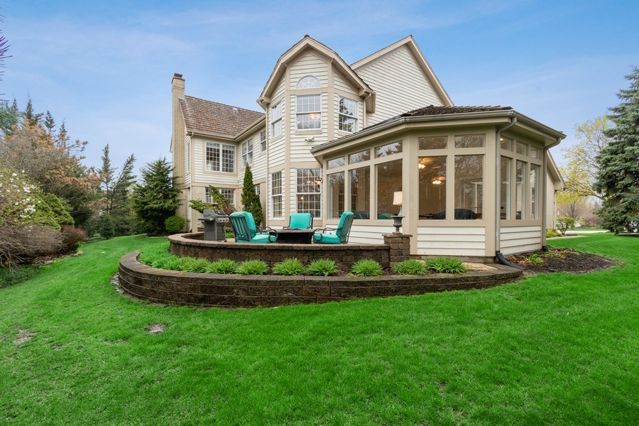 Real Estate Photography - 1009 Oakland Court, Barrington, IL, 60010 - Rear View