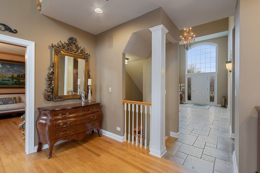 Real Estate Photography - 1009 Oakland Court, Barrington, IL, 60010 - Staircase