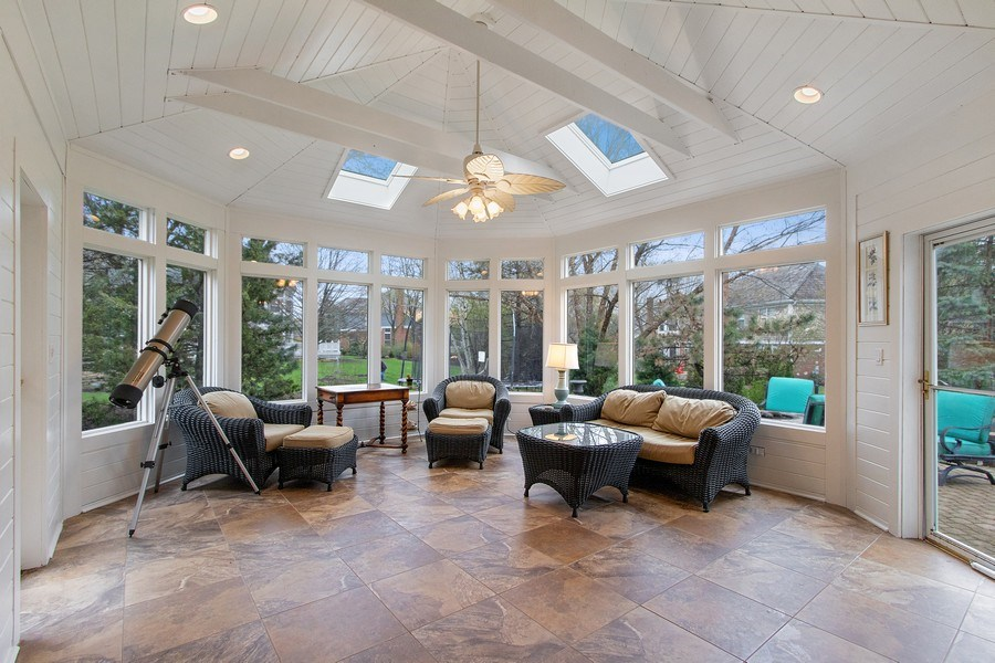 Real Estate Photography - 1009 Oakland Court, Barrington, IL, 60010 - Sun Room
