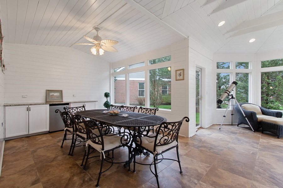 Real Estate Photography - 1009 Oakland Court, Barrington, IL, 60010 - Sunroom