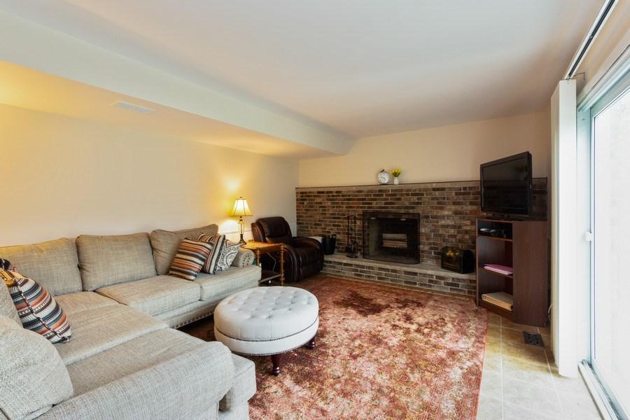 Real Estate Photography - 319 W cedar, Arlington Heights, IL, 60005 - Family Room