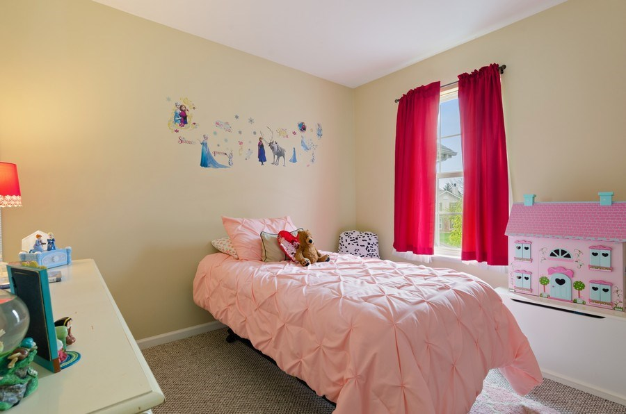 Real Estate Photography - 2064 Peach Tree Lane, Algonquin, IL, 60102 - 2nd Bedroom