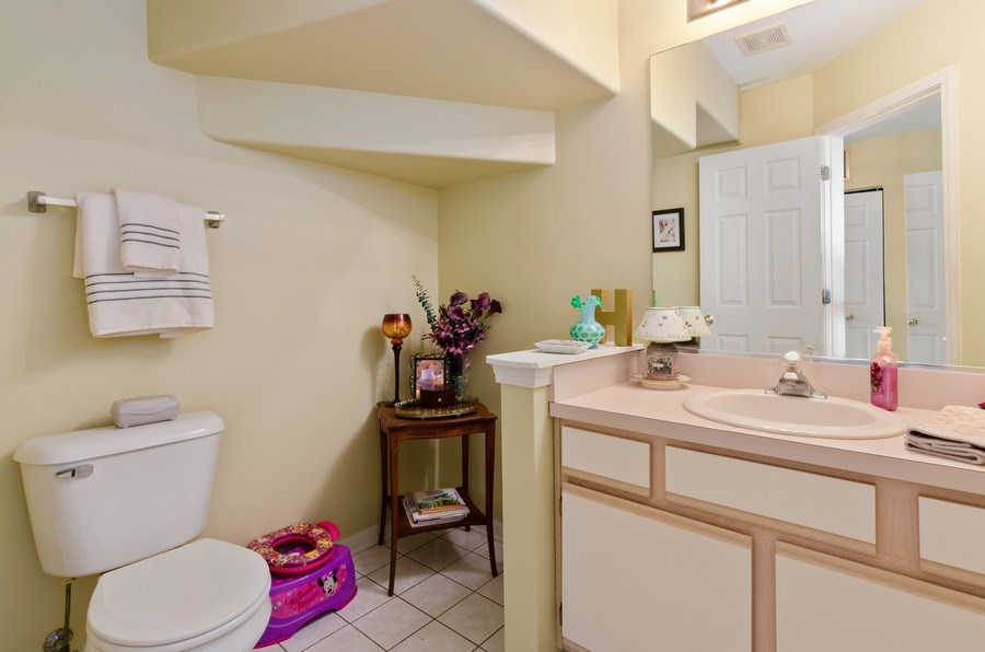 Real Estate Photography - 2064 Peach Tree Lane, Algonquin, IL, 60102 - Kitchen / Breakfast Room