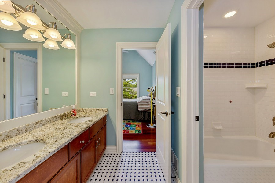Real Estate Photography - 109 4th Street, Downers Grove, IL, 60515 - 2nd Bathroom