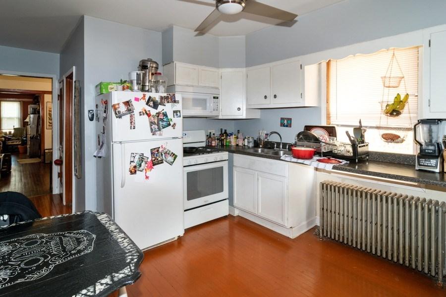 Real Estate Photography - 1820 Euclid, Berwyn, IL, 60402 - Kitchen