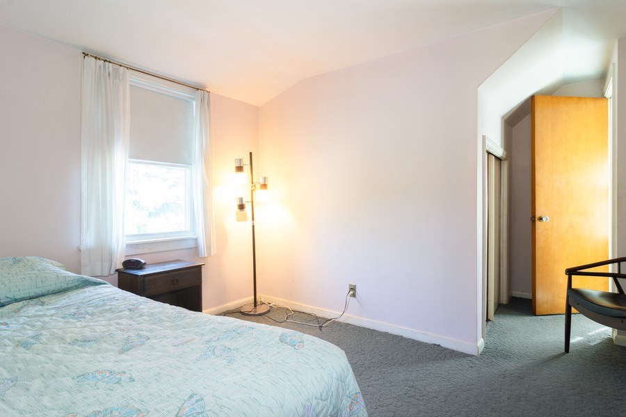 Real Estate Photography - 304 W Hawthorne, Arlington Heights, IL, 60004 - 2nd Bedroom