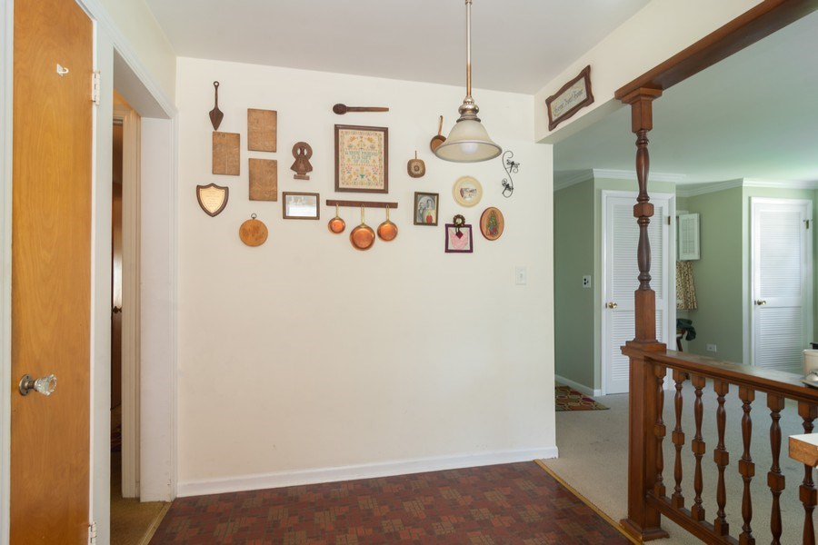 Real Estate Photography - 304 W Hawthorne, Arlington Heights, IL, 60004 - Kitchen / Breakfast Room