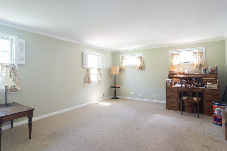 Real Estate Photography - 304 W Hawthorne, Arlington Heights, IL, 60004 - Family Room