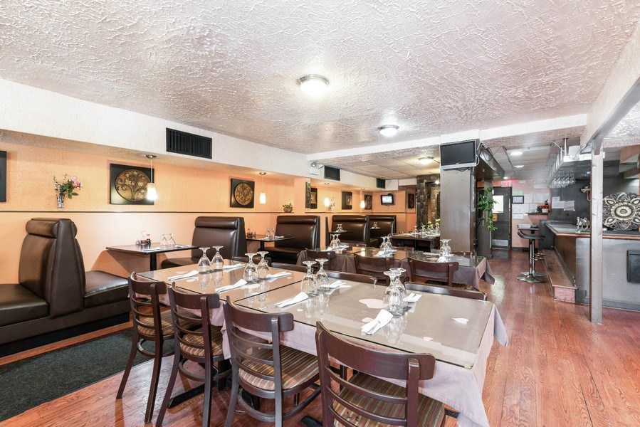 Real Estate Photography - 434 W Diverset, Chicago, IL, 60614 - Dining Room