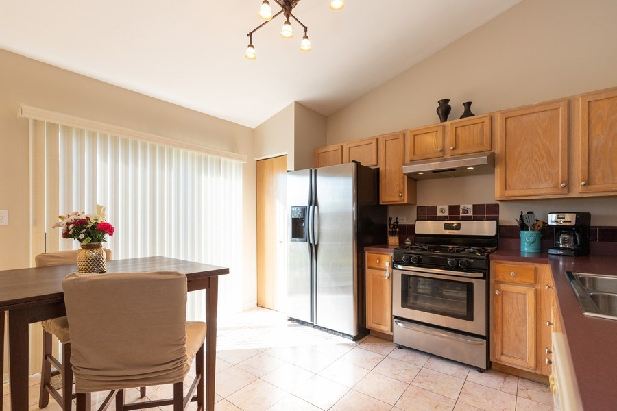 Real Estate Photography - 770 S Providence, Round Lake, IL, 60073 - Kitchen
