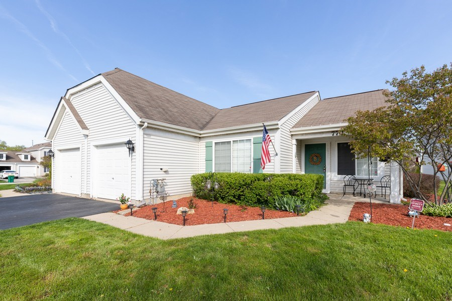 Real Estate Photography - 770 S Providence, Round Lake, IL, 60073 - Front View