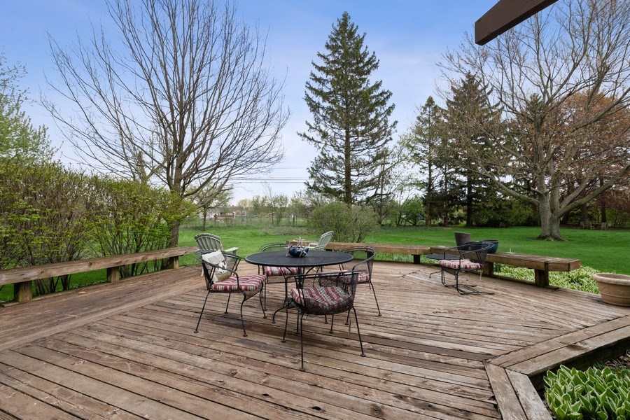 Real Estate Photography - 1509 Kaywood Ln, Glenview, IL, 60025 - Deck