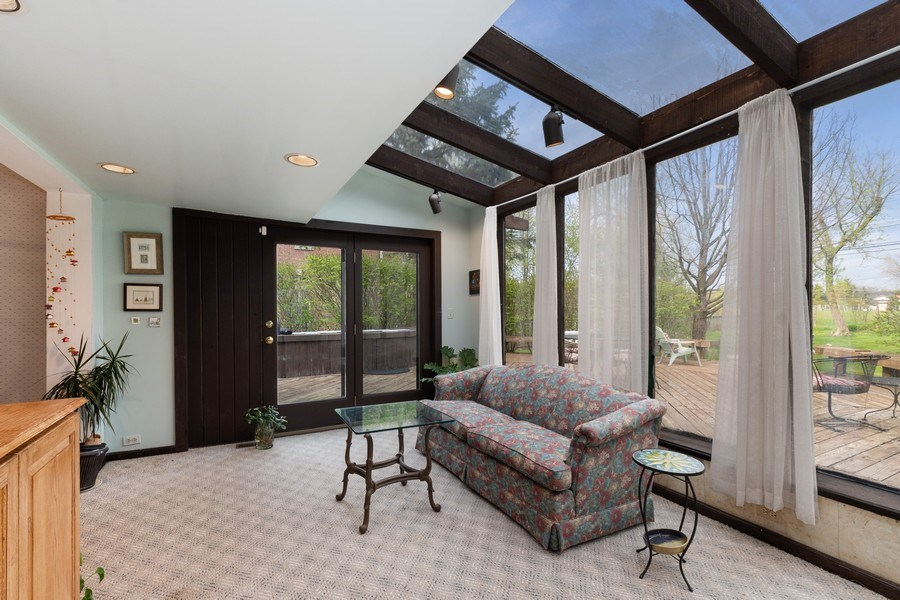 Real Estate Photography - 1509 Kaywood Ln, Glenview, IL, 60025 - Sunroom