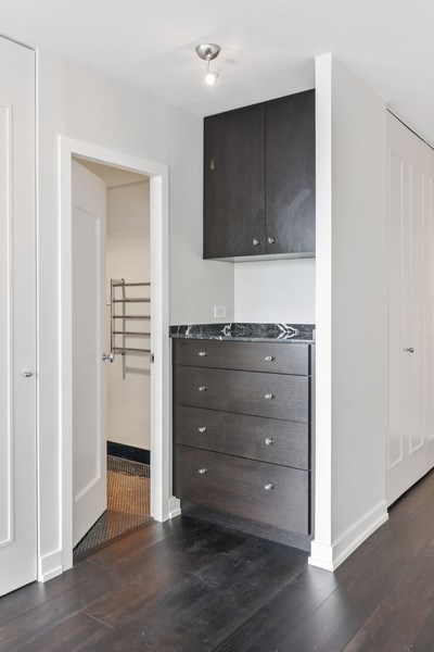 Real Estate Photography - 1460 N Sandburg Ter, Unit 2806, Chicago, IL, 60610 - Hallway