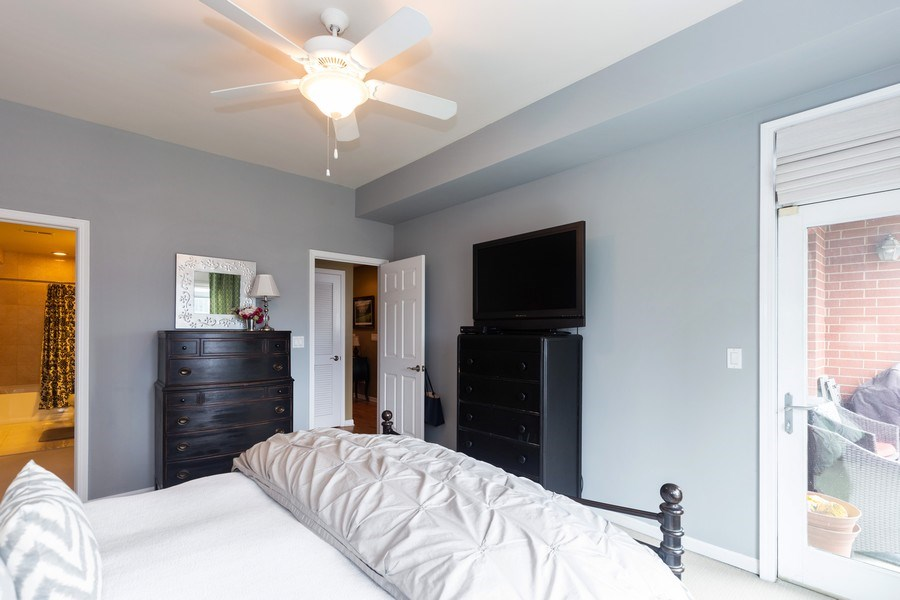 Real Estate Photography - 657 W Fulton St, Unit 609, Chicago, IL, 60661 - Master Bedroom