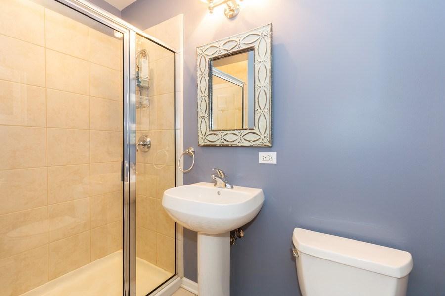 Real Estate Photography - 657 W Fulton St, Unit 609, Chicago, IL, 60661 - Bathroom