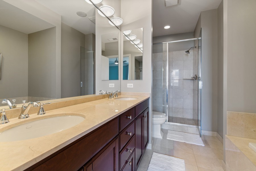 Real Estate Photography - 2656 N Hermitage Ave, Chicago, IL, 60614 - Master Bathroom