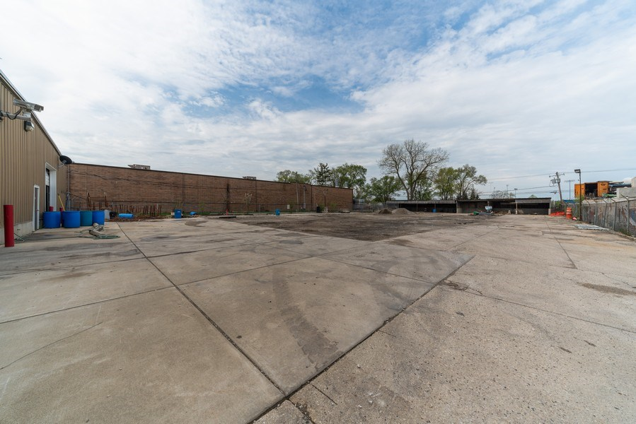 Real Estate Photography - 570 County Line Rd, Bensenville, IL, 60106 - Location 1