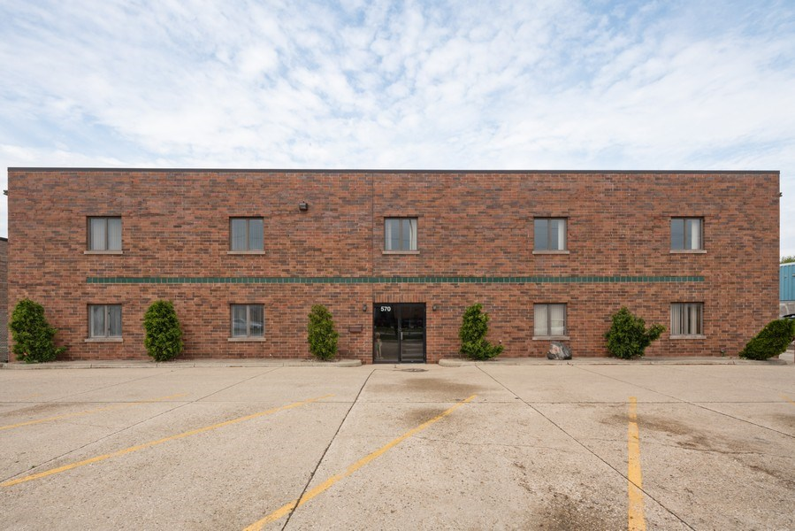 Real Estate Photography - 570 County Line Rd, Bensenville, IL, 60106 - Front View