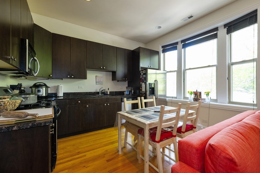Real Estate Photography - 2307 W Walton St, 2W, Chicago, IL, 60622 - Kitchen
