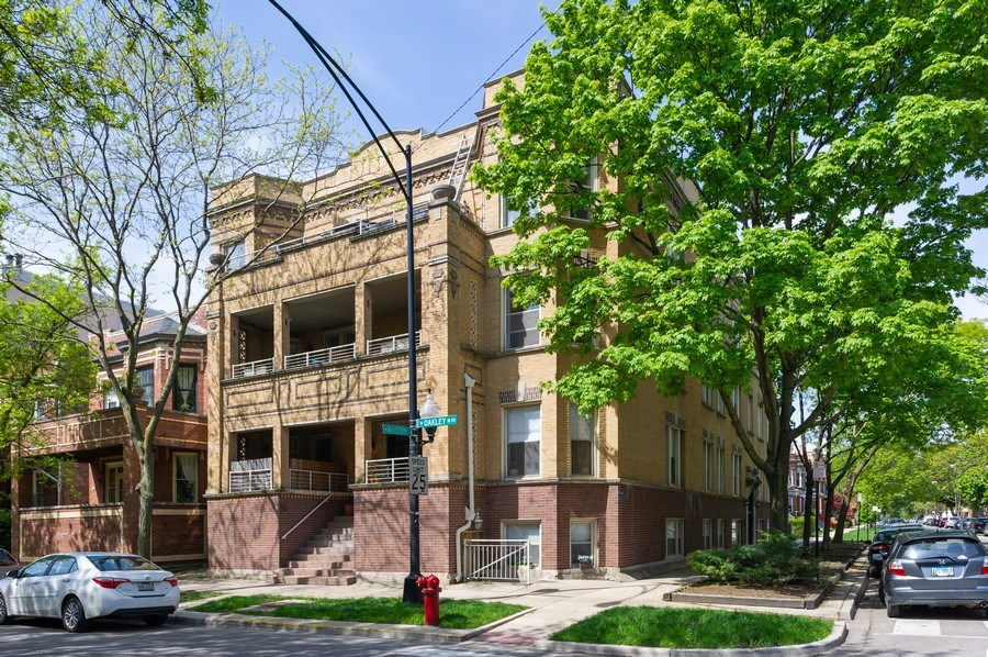Real Estate Photography - 2307 W Walton St, 2W, Chicago, IL, 60622 - Front View