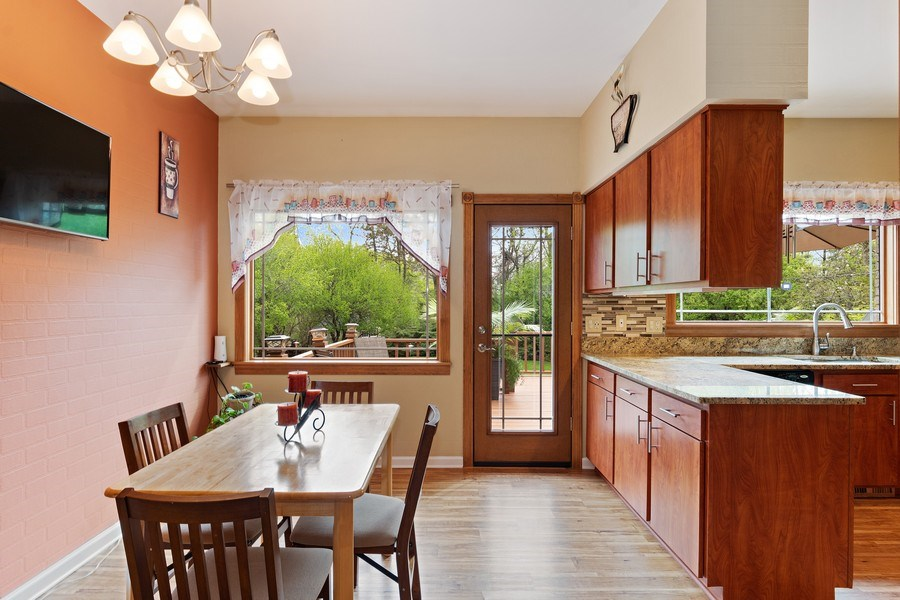 Real Estate Photography - 261 Aspen, Highland Park, IL, 60035 - Breakfast Area