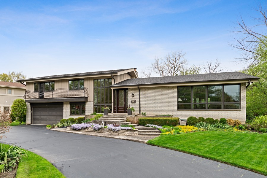 Real Estate Photography - 261 Aspen, Highland Park, IL, 60035 - Front View