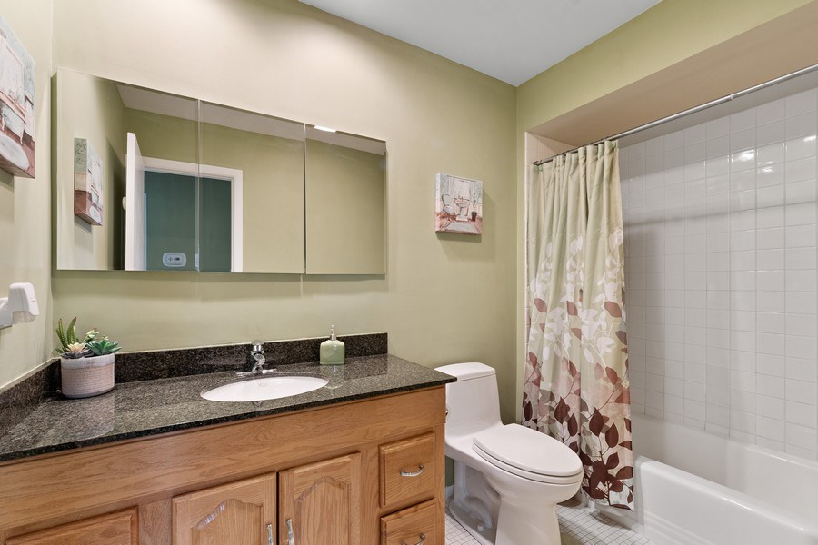 Real Estate Photography - 261 Aspen, Highland Park, IL, 60035 - 2nd Bathroom