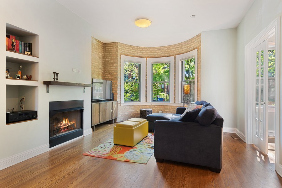 Real Estate Photography - 3508 N Greeenview, Unit 1, Chicago, IL, 60657 - Living Room