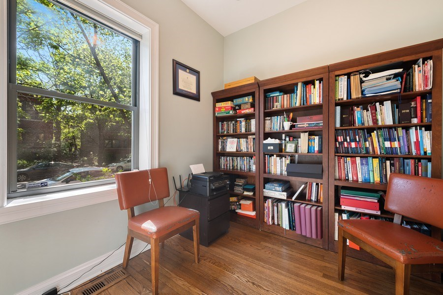 Real Estate Photography - 3508 N Greeenview, Unit 1, Chicago, IL, 60657 - Office