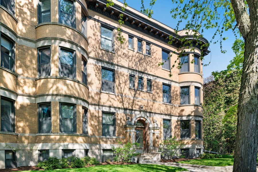 Real Estate Photography - 3508 N Greeenview, Unit 1, Chicago, IL, 60657 - Front View