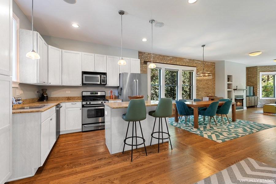 Real Estate Photography - 3508 N Greeenview, Unit 1, Chicago, IL, 60657 - Kitchen / Dining Room