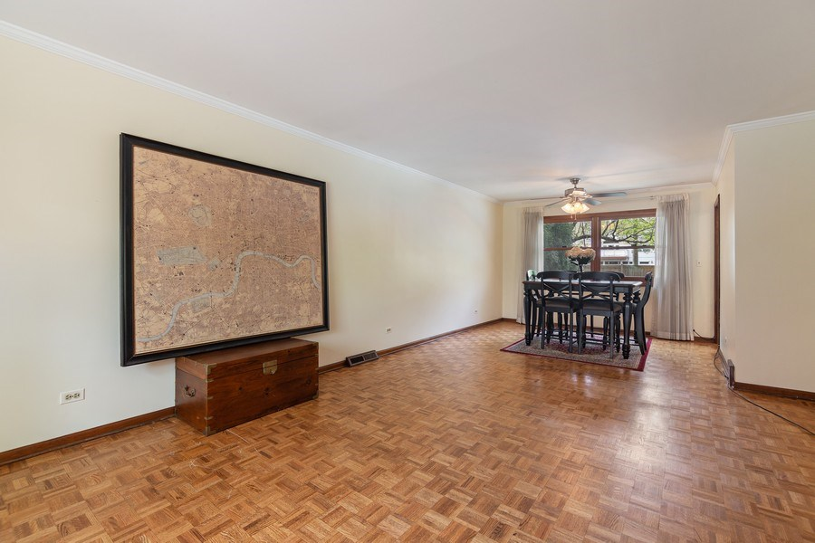 Real Estate Photography - 1224 Brook Ln, Glenview, IL, 60025 - Living Room