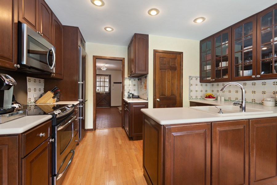 Real Estate Photography - 1224 Brook Ln, Glenview, IL, 60025 - Kitchen