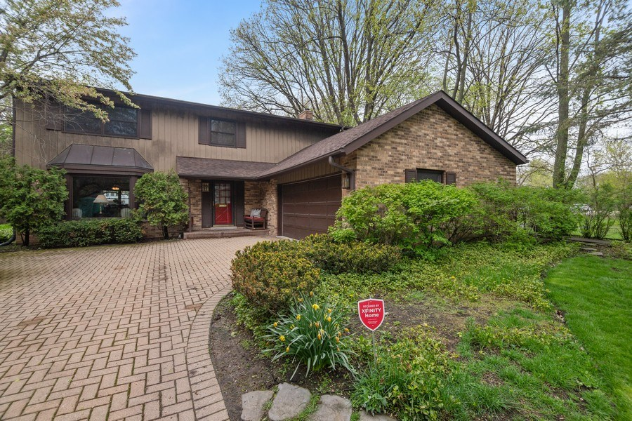 Real Estate Photography - 1224 Brook Ln, Glenview, IL, 60025 - Front View
