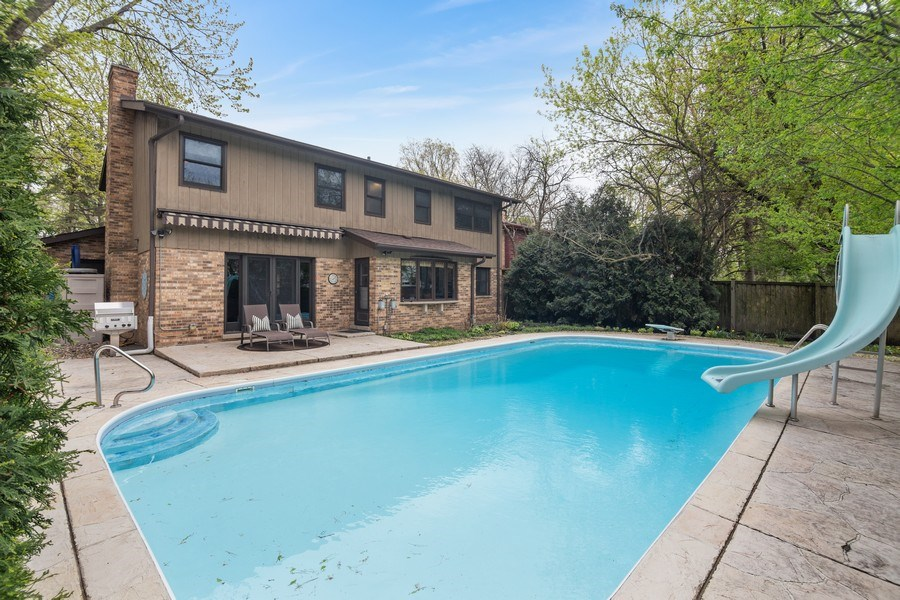 Real Estate Photography - 1224 Brook Ln, Glenview, IL, 60025 - Rear View